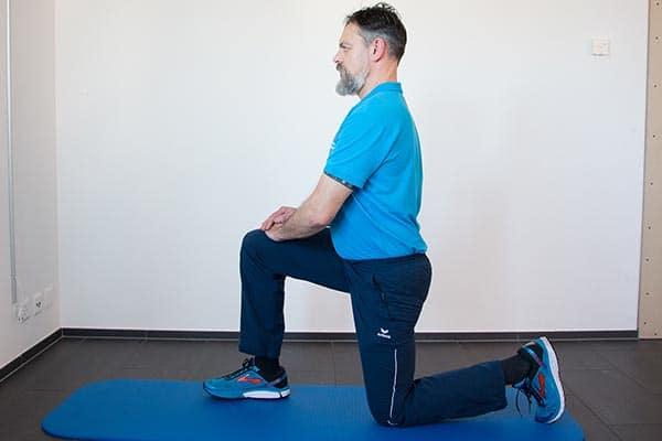 Dehnung Psoas 2 Physiotherapie Binningen