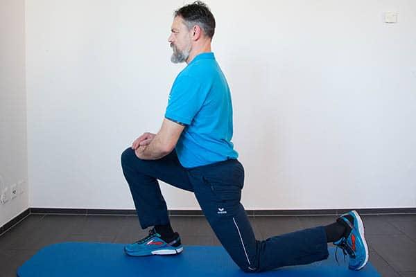 Dehnübungen-Beine-Dehnung-Psoas-Physiotherapie-Binningen