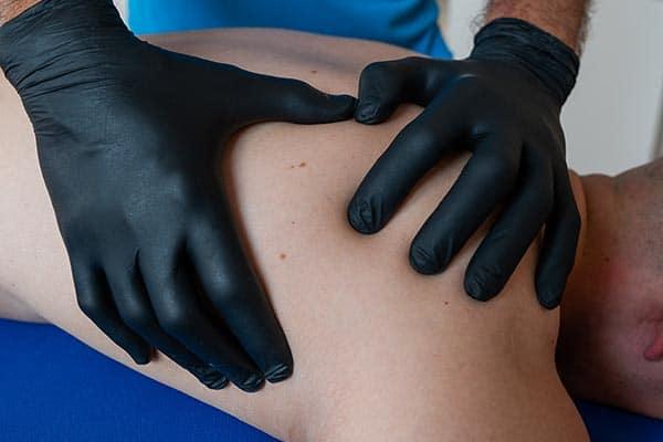 Dry Needling Palpation Physiotherapie Binningen