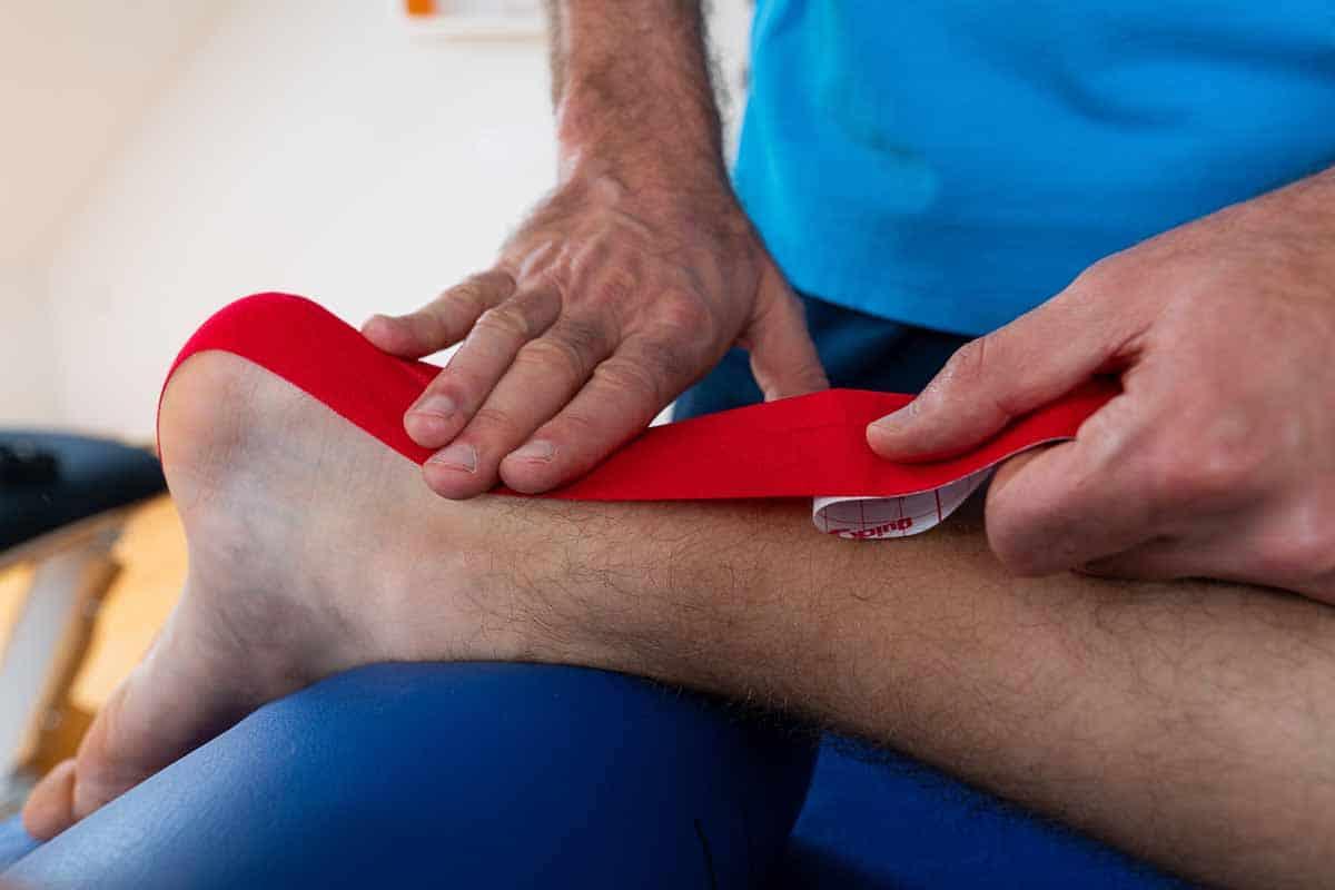 Kinesiotape elastisches Tape Physiotherapie Binningen
