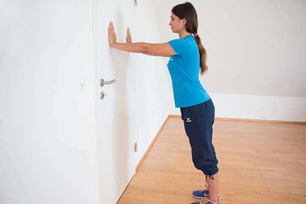 Zentrierende Schulterkräftigung Schulterübungen Physiotherapie Binningen